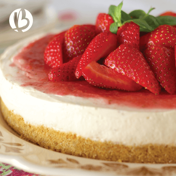 fit moms, healthy desserts, low carb strawberry cheesecake