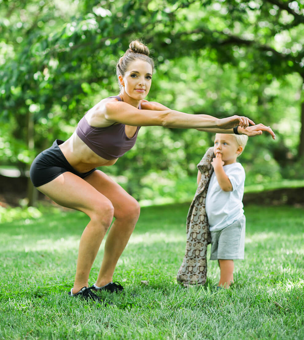 fit mom squat, proper squat form